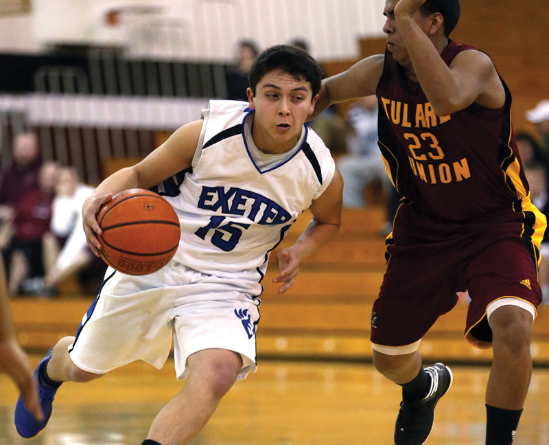 Boys Basketball: Exeter takes on EYL at Polly Trn.