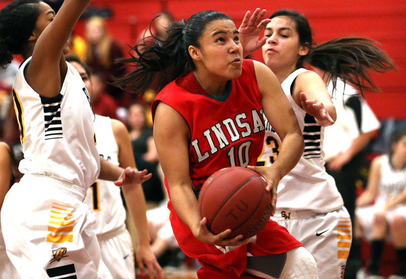 Girls Basketball: Lindsay continuing to play hard