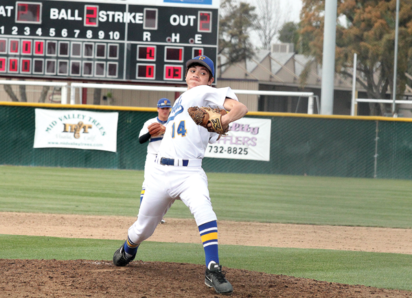 Monarchs hit the come-back trail to begin tourney