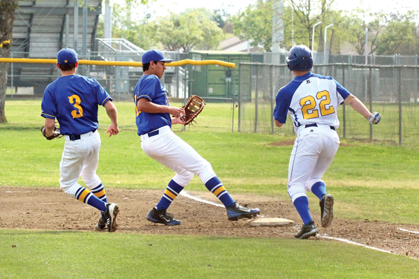 Eagles eliminate Monarchs, take tourney