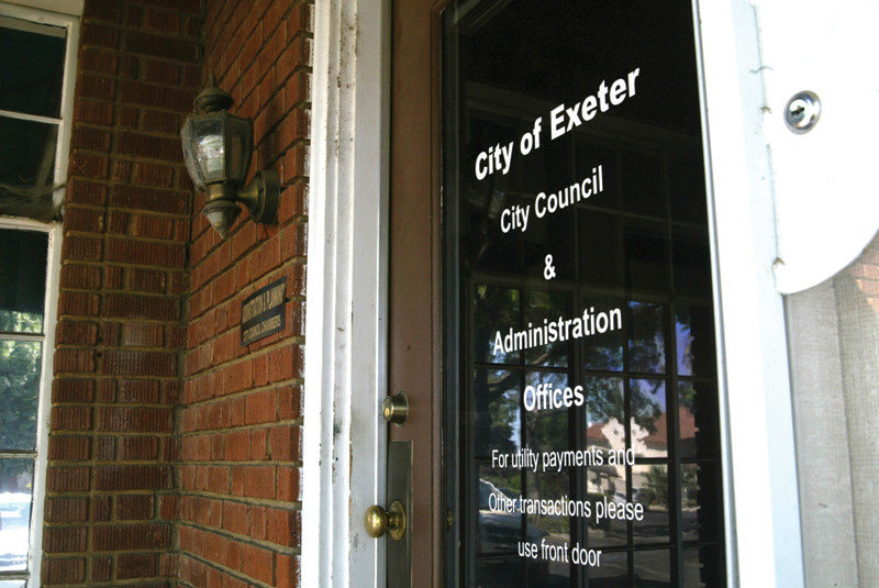 Exeter balances one of 2-year budget, Lindsay treads budgetary waters
