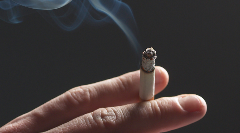 evidence on how smoking affects lung
