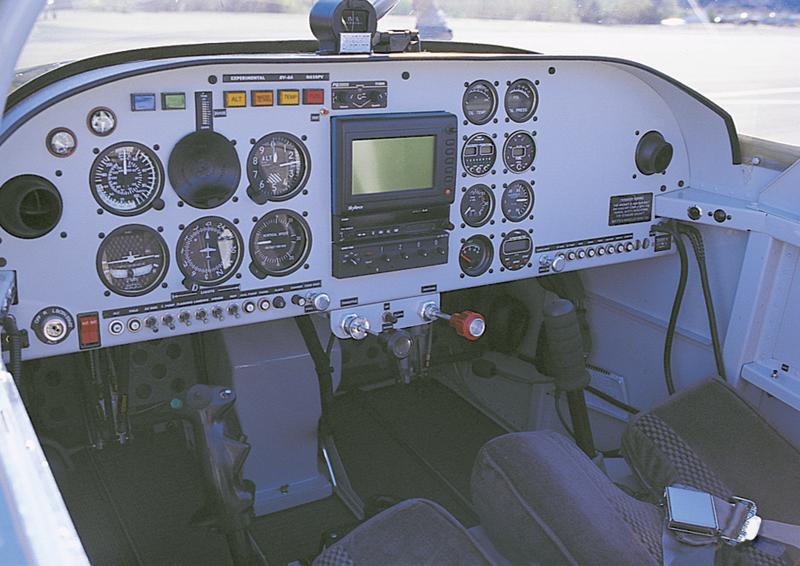 Visalia man receives $500 aviation scholarship
