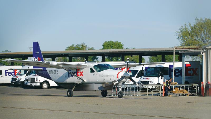 City of Visalia grounds air service program