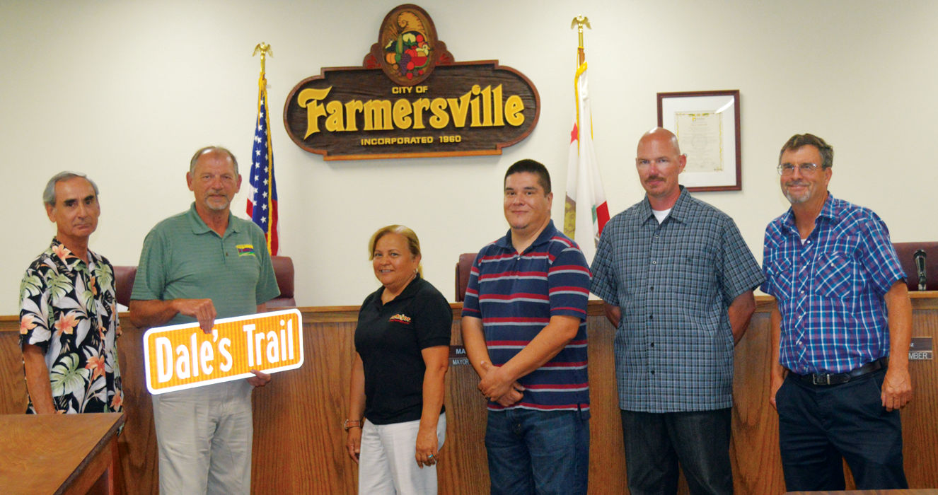 Farmersville budget includes salary freeze; honors retiree