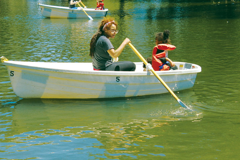 Mooney Grove brings back boats