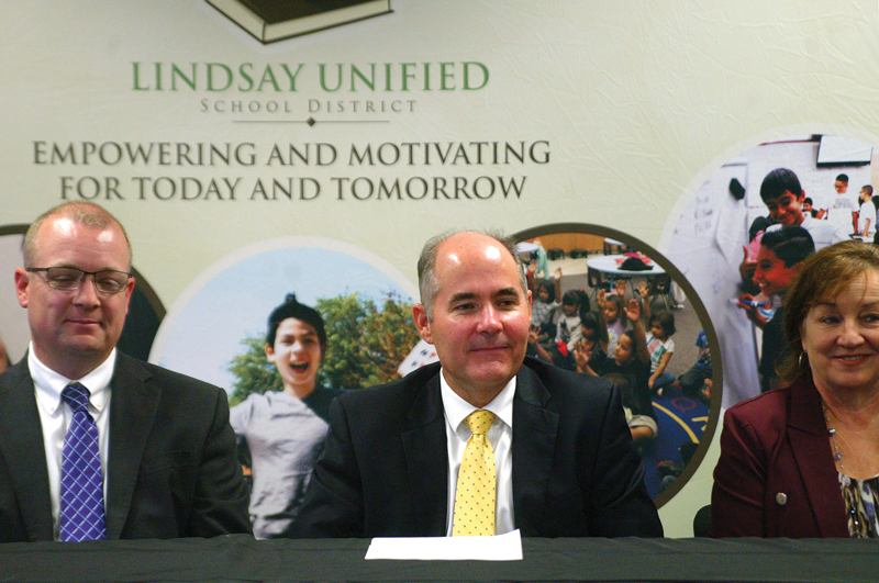 Lindsay Unified Schoold District gets $28M to incentivize teachers