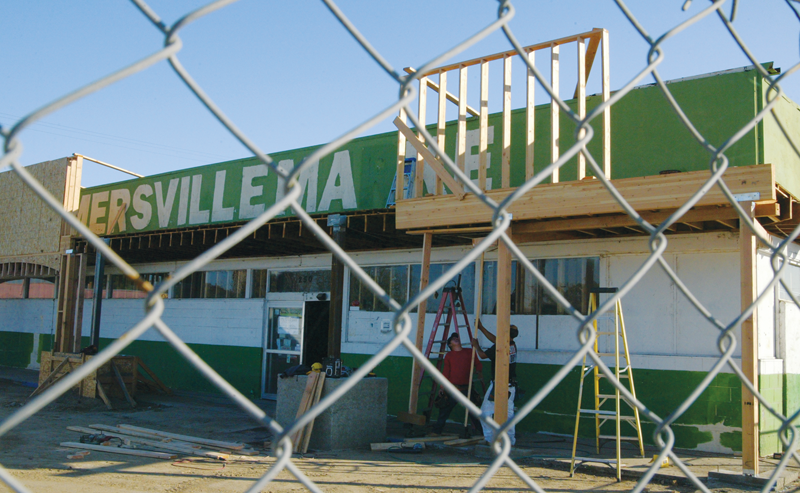 Construction begins on inside and outside of former Farmersville Market grocery store