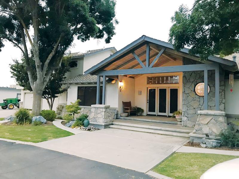 Holiday Home Tour: The Maurer Home