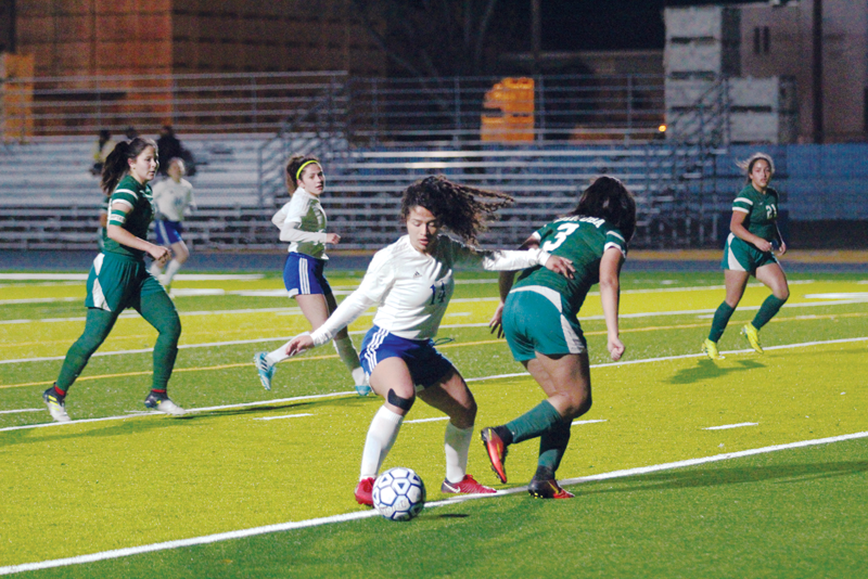 Girls Soccer: Exeter Monarchs win four in a row before rematch with D-IV valley champions