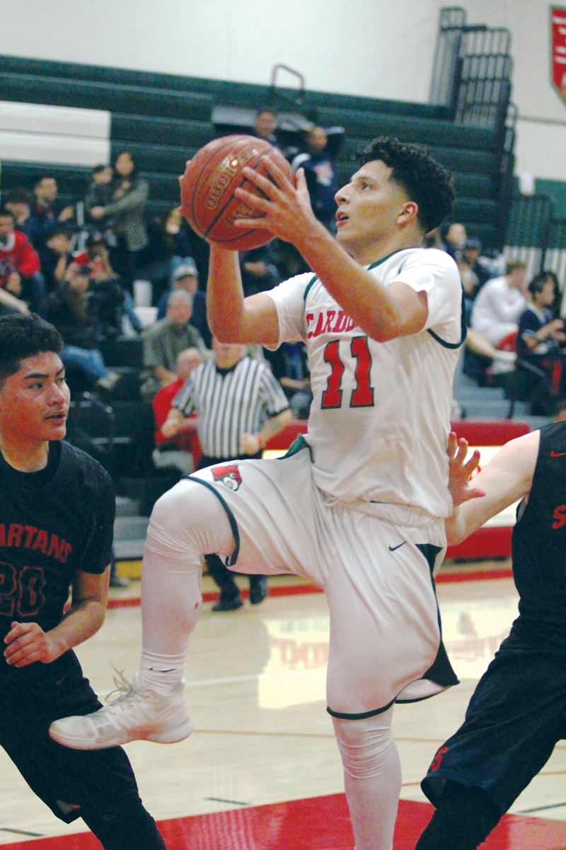 Boys Basketball: Lindsay makes 11 triples in 67-44 win over rival Strathmore