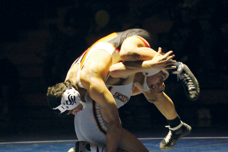 Wrestling: No. 4 Bears pin Monarchs