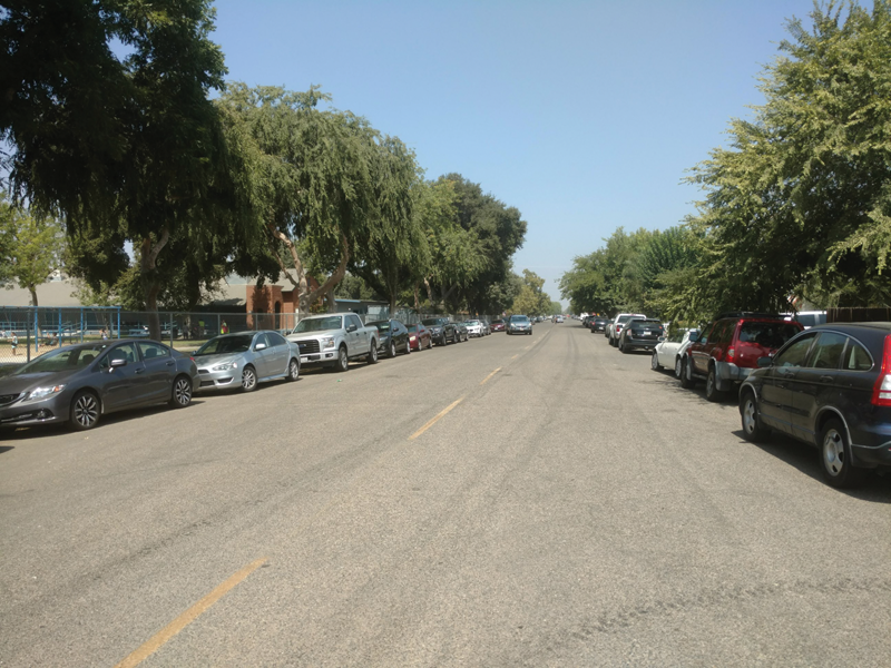 Parking a tight squeeze for Lincoln Elementary's neighbors