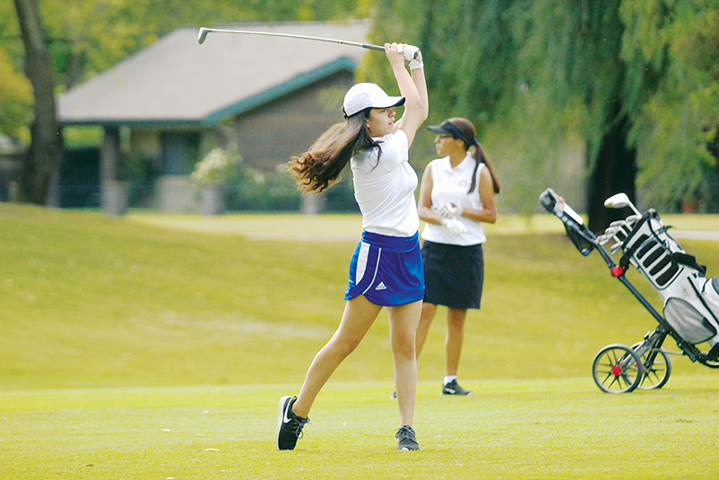 Girls Golf: Young Monarchs swing for improvement