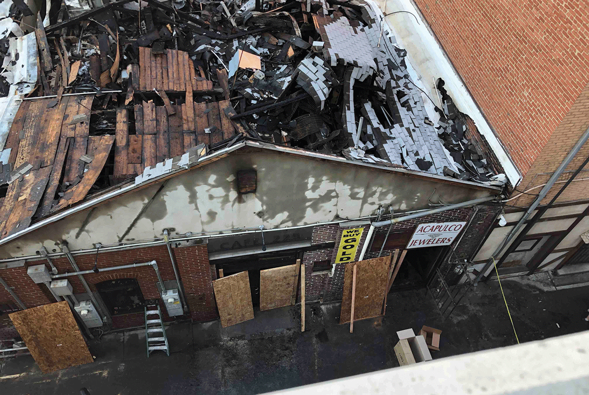 Blaze shuts down block of downtown