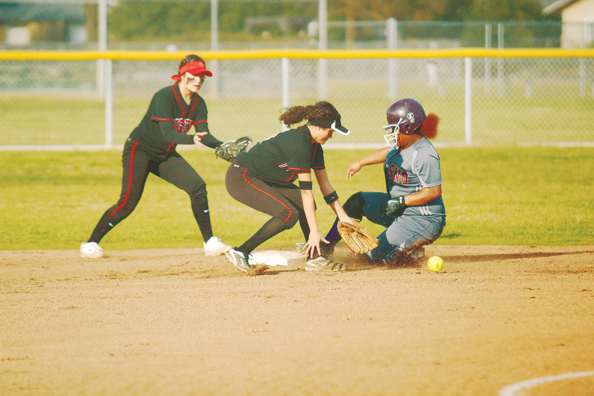 Warriors exert will on Woodlake Tigers in 11-9 loss