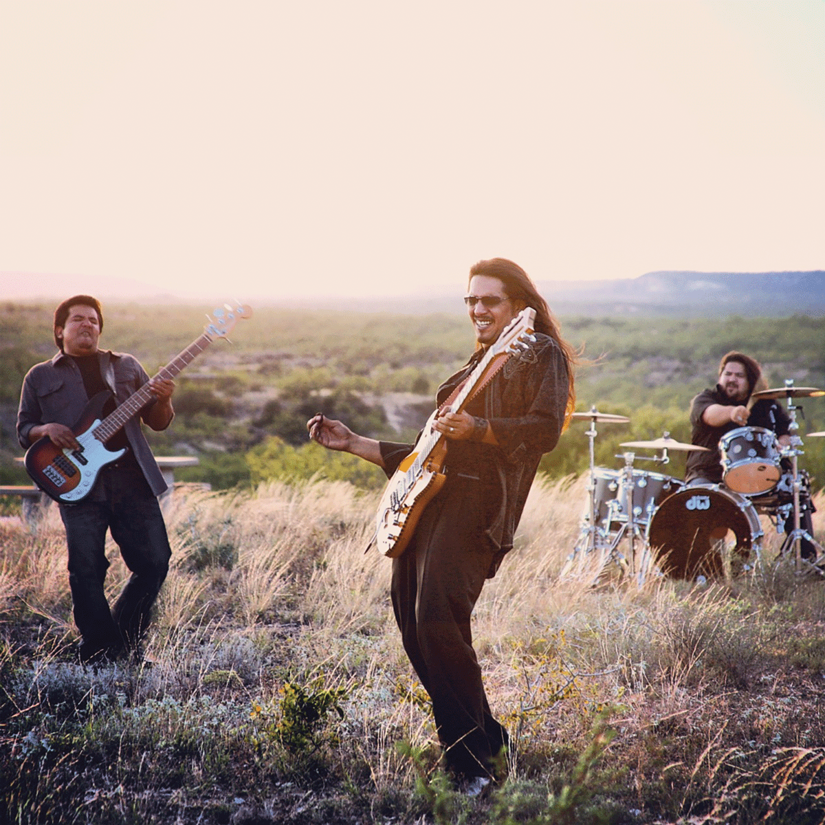 Los Lonely Boys make a connection