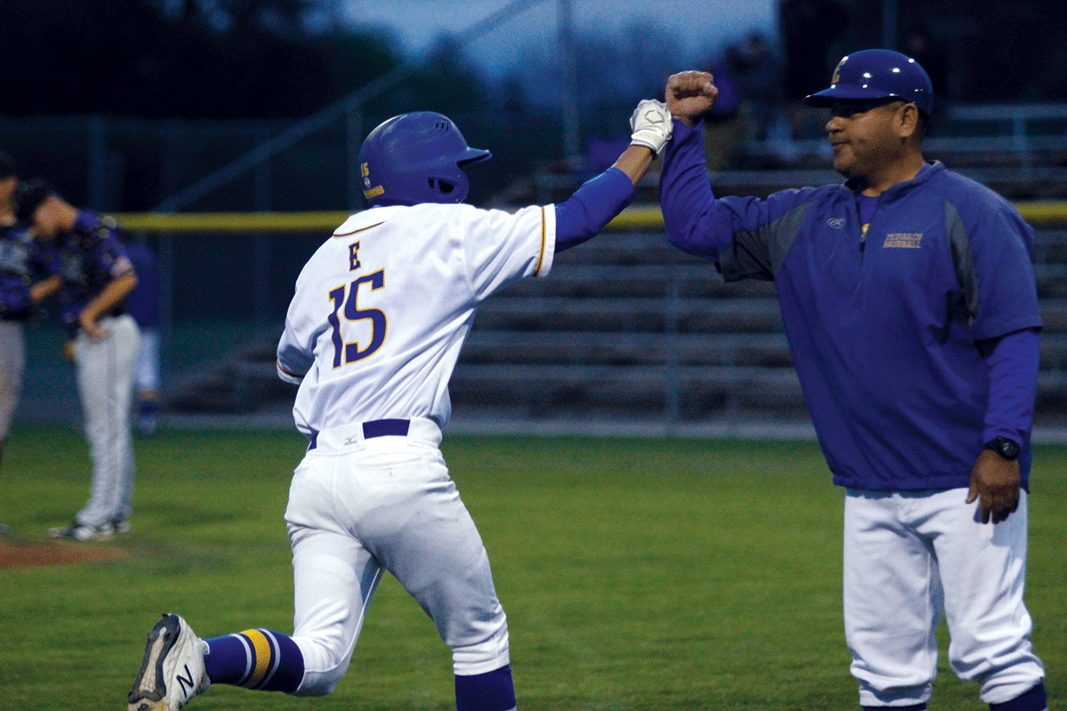 Baseball: Exeter Monarchs beat Bakersfield Christian Eagles in slugfest